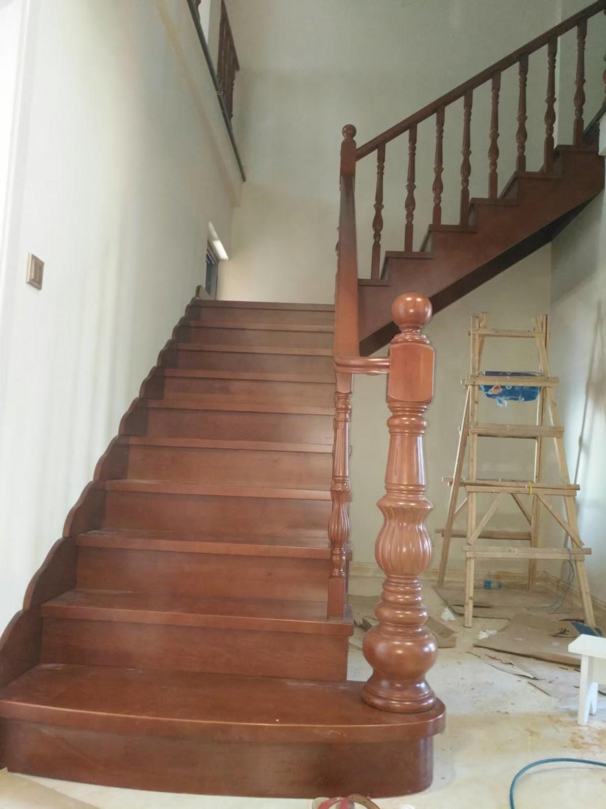 楼梯立柱,踏板,踢脚线