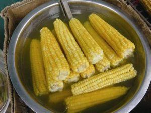 街头和超市售卖的八个煮熟玉米中均检出糖精钠!我们需要多担心?