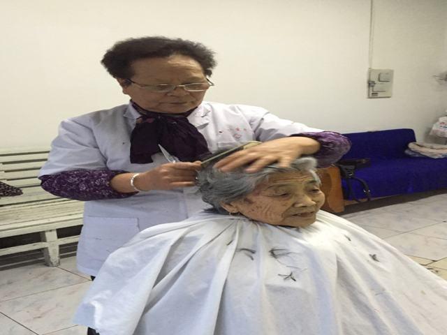 耿玉香——哈密第一代理发师