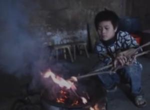 心痛:6岁农村孤儿自编一首歌,唱碎天下父母的心