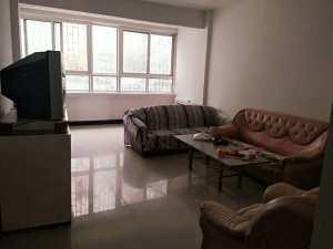 出租陇西县学区房,鼓楼附近楼1楼,2室2厅。