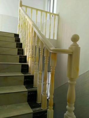 扶手480每米,背景墙每平方580,餐桌一套3600