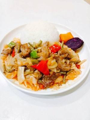 酸菜牛肉饭