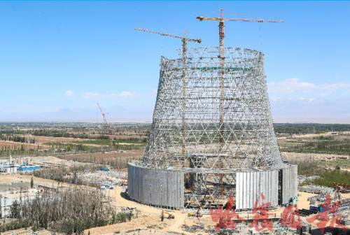国内首座大型火电机组主机双曲线钢构冷却塔建成 塔高162米,节能环保效果显著